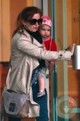 Isla Fisher and daughter Elula at the GYM in LA 3