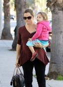 Jennifer Garner out with daughter Seraphina