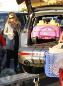 Jessica Alba out shopping at ToysRUS 2