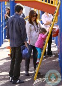 Alyson Hannigan & Alexis Denisoff with daughter Satyana @ the market