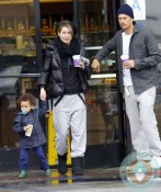 Ellen Pompeo with daughter stella - coffee run