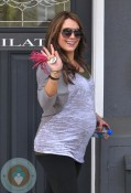 Pregnant Hilary Duff at Pilates