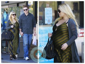 Pregnant Jessica Simpson & Eric Johnson do a pitt stop