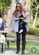 Rebecca Gayheart & daughter Billie Dane @ Coldwater Canyon Creek Park