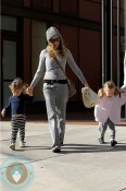 Sarah Jessica Parker with her twins Marion and Loretta 3