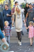 Tori Spelling and Dean McDermott film a segment for Xtra at the Grove