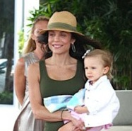 Bethenny Frankel Vacations With Her Family in Miami!