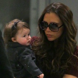 LAX to JFK - Harper Beckham Is A Travellin Tot!
