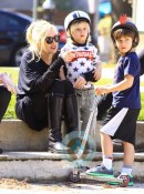 Gwen Stefani with boys Kingston and Zuma at the park