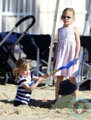 Seraphina and Violet Affleck at the beach