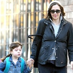 Pregnant Maggie Gyllenhaal Does The School Run With Daughter Ramona