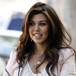 Pregnant Kourtney Kardashian Shops For Baby!