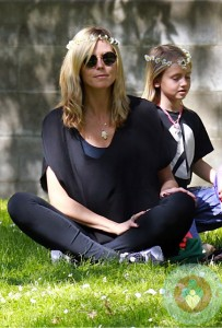 Heidi Klum with daughter Leni at the park