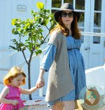 Pregnant Alyson Hannigan and Satyana at the Brentwood Market