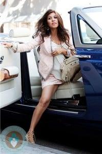 Pregnant Kourtney Kardashian shopping on Robertson 2