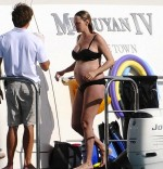 pregnant Uma Thurman in St. Barts