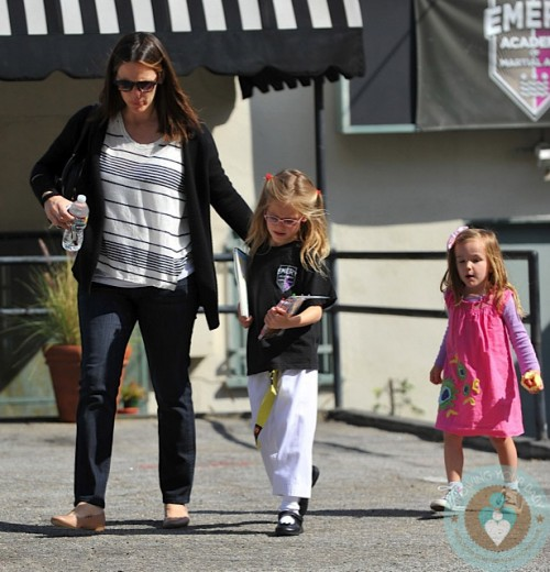 Jennifer Garner, Seraphina Affleck, Violet Affleck at Karate LA