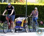 Liev Schreiber and Naomi Watts with sons Sasha & Sammy at the market in LA
