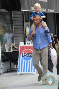 Liev Schrieber and son Sammy out in NYC