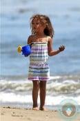 Nahla Aubry beach easter