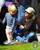 Naomi Watts with son Sammy at the market in La