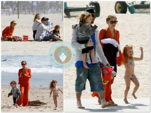 Nicole Richie with Joel, Harlow and Sparrow Madden play at the beach