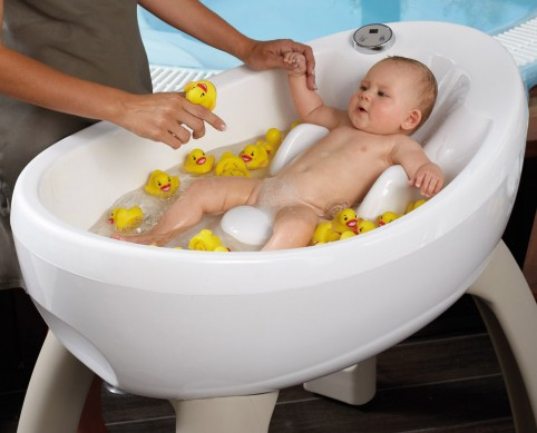 Baby Luxe ~ The MagicBath Baby Jacuzzi