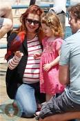 pregnant ALyson Hannigan, Satyana denisof, alexis denisof play @ santa monica pier