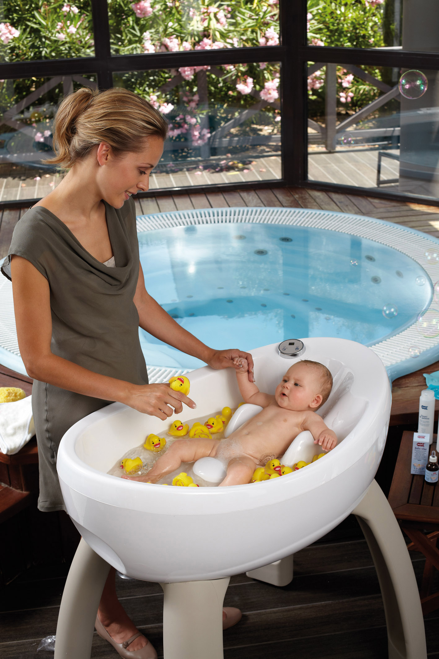 the magicbath tub 2 growing your baby growing your baby. Black Bedroom Furniture Sets. Home Design Ideas