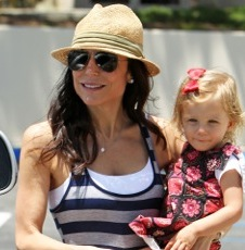 Bethenny Frankel & Her Family Hit The Malibu Market