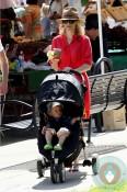 Elizabeth Banks son Felix Handelman farmers market LA