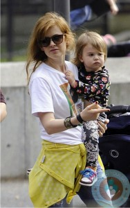 Isla Fisher and daughter Elula Cohen @ the park