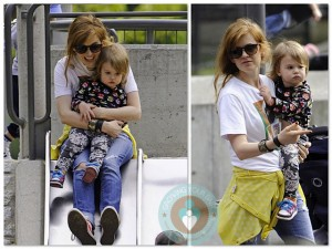 Isla Fisher and daughter Elula Cohen at the park