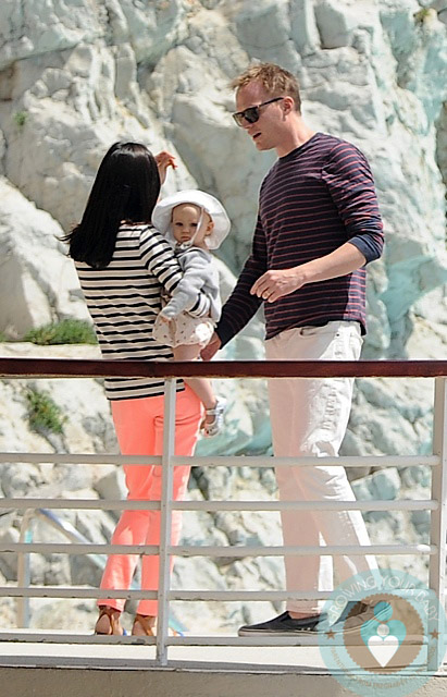 Jennifer Connelly And Paul Bettany With Baby Agnes Eden