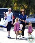 Jennifer Garner, violet affleck, seraphina affleck farmers market