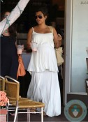 Kourtney Kardashian shops at Bel Bambini
