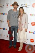 Mira Sorvino, Chris Backus red carpet