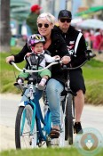 Pink Alecia Moore, Willow Hart, Carey Hart Mothers Day bike ride Venice Beach