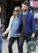 Pregnant Sienna Miller with boyfriend Tom Sturridge in Portofino-Italy