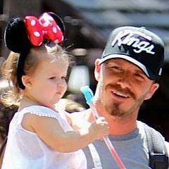 The Beckhams Visit Disneyland ~ Harper Steals The Show!