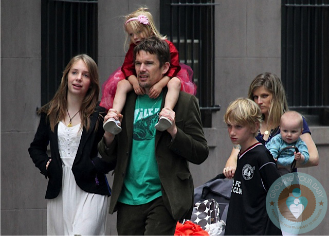 Ethan-Hawke-with-kids-...