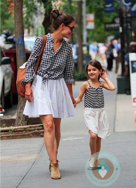 Katie Holmes with daughter Suri NYC - Growing Your Baby Katie Holmes Divorce