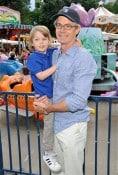 Kyle McLaughlan, son Callum 2012 Baby Buggy Bedtime Bash