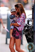 Miranda Kerr, son Flynn Bloom out in NYC