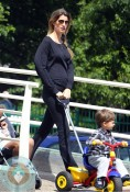 Pregnant Gisele Bundchen, son Benjamin Brady, walk in Boston