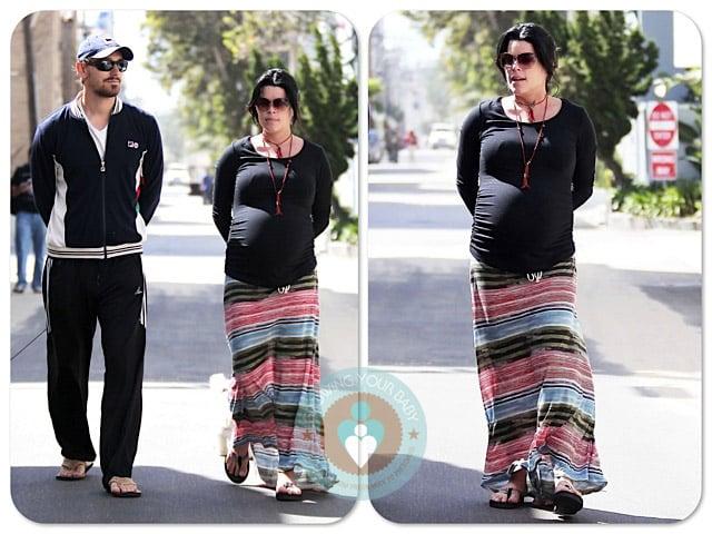 Pregnant Neve Campbell Jj Feild Stroll La Copy Growing