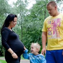 Pregnant Woman Nurses Abandoned Infant to Save Her Life