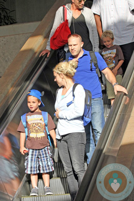 Britney Spears, Sean P Federline, Jayden James Federline, Jason Trawick Maui airport