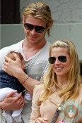 Chris Hemsworth, India Hemsworth & Elsa Pataky Santa Monica