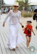 Gwen Stefani & Zuma Rossdale @ the beach Santa Monica